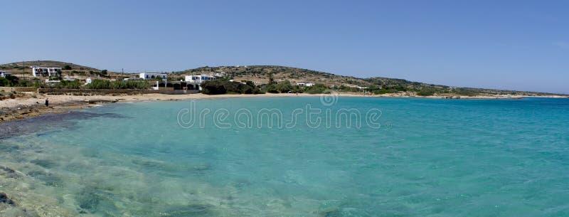 Grecja wyspa Donoussa Panoramiczny widok delikatnie odkłada plaża i kryształ - jasne błękitne wody morze egejskie fotografia royalty free