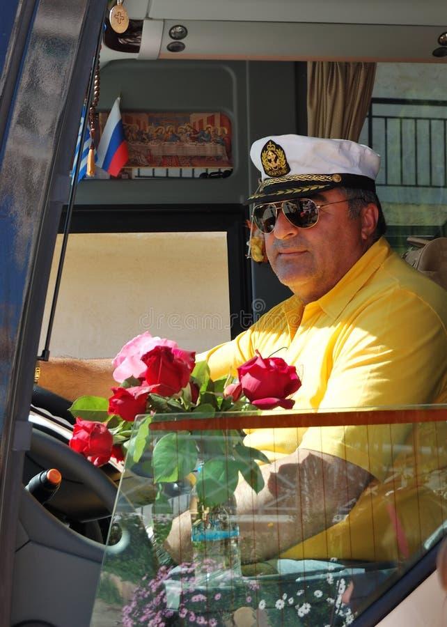 Download Grecki Kierowca Nowożytny Autobus Obraz Stock Editorial - Obraz złożonej z grecja, pojazd: 28956204
