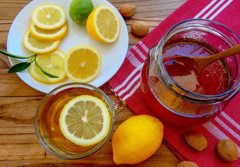 Gree herbata z cytrynami i miodem zdjęcia stock