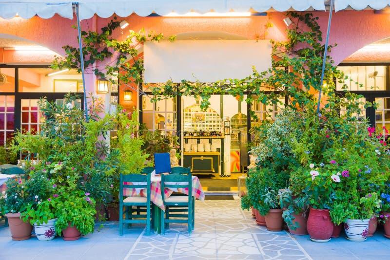 greece restaurang arkivfoton