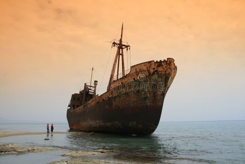 greece skeppsbrott fotografering för bildbyråer