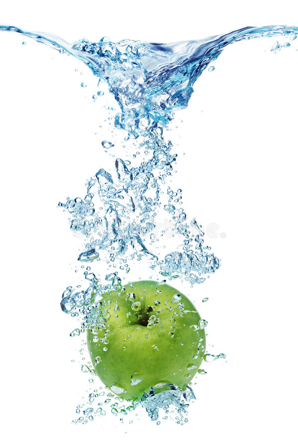 Download Green Apple In Water Royalty Free Stock Image - Image: 7935346
