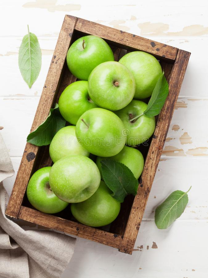 Free Green Apples In Wooden Box Royalty Free Stock Image - 120247896
