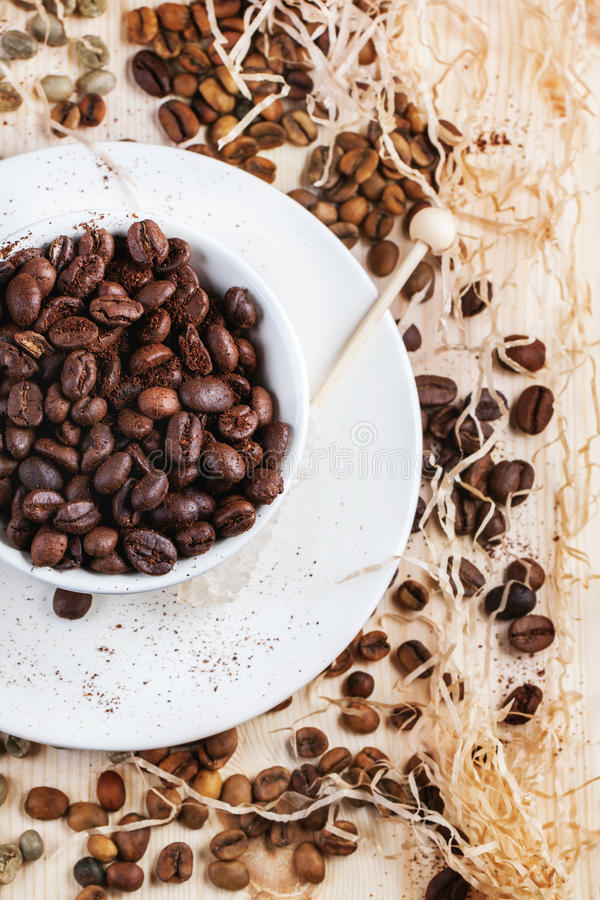 Free Green, Brown And Black Coffee Beans Royalty Free Stock Photos - 42784568