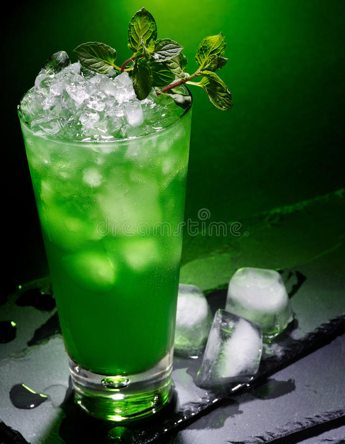 Free Green Cocktail On Dark Background.17 Royalty Free Stock Image - 52080976