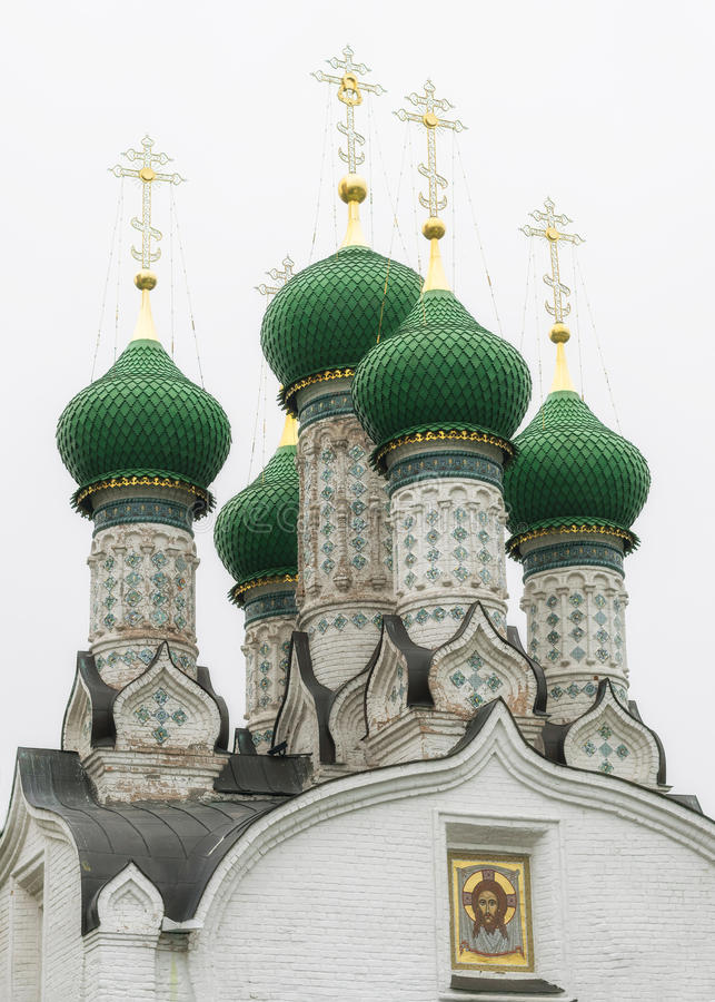 Green Dome de Christian Church contre le ciel photo libre de droits