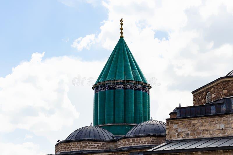 Green Dome e telhado de Rumi Shrine na cidade de Konya imagem de stock royalty free