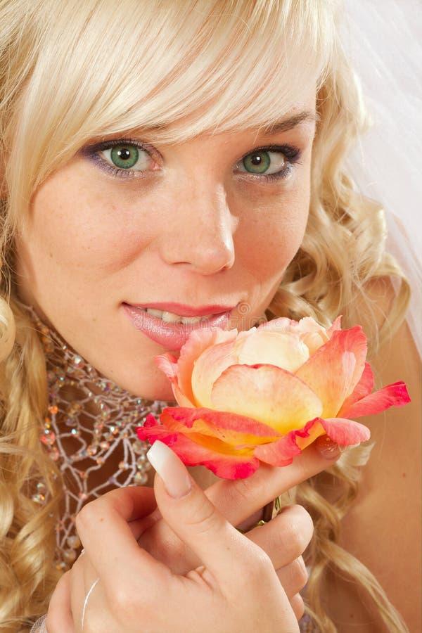 Green-eyed Braut lizenzfreies stockfoto