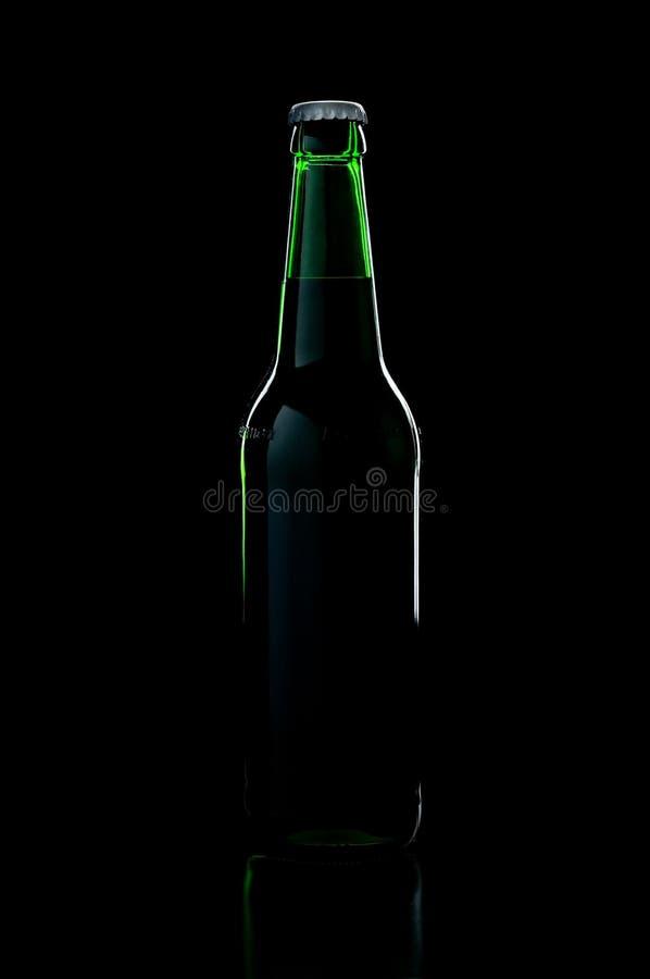 green för flaska för bakgrundsölblack över sha arkivbilder
