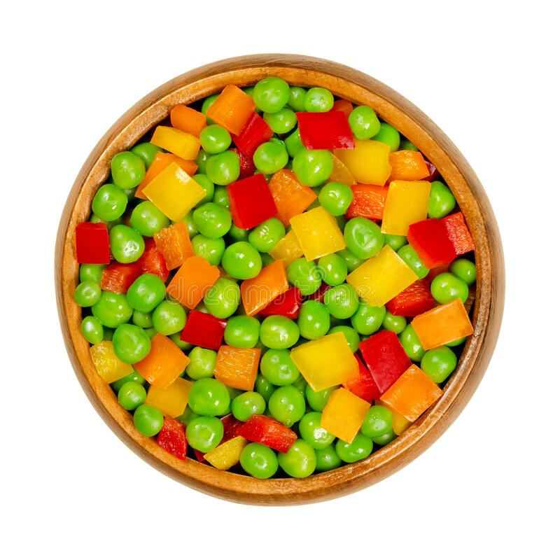Free Green Peas And Diced Bell Peppers, Mixed Vegetables In Wooden Bowl Royalty Free Stock Images - 190809749