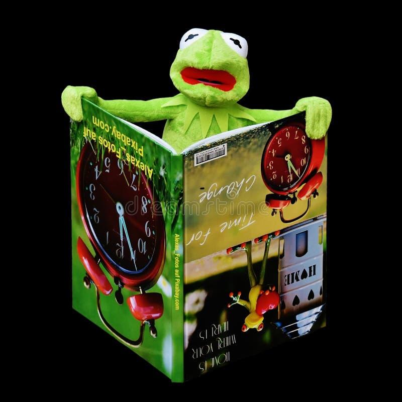 Green, Product, Amphibian, Font Free Public Domain Cc0 Image