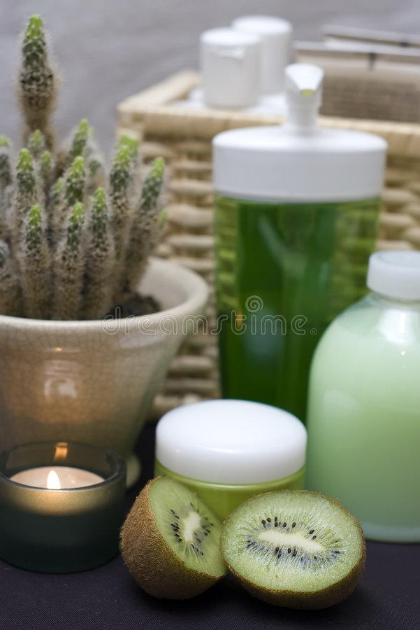 Download Green Spa With Kiwi Royalty Free Stock Photo - Image: 4400265
