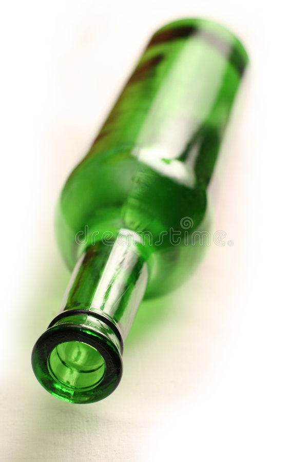 Free Green Wine Bottle On White Royalty Free Stock Images - 8009399