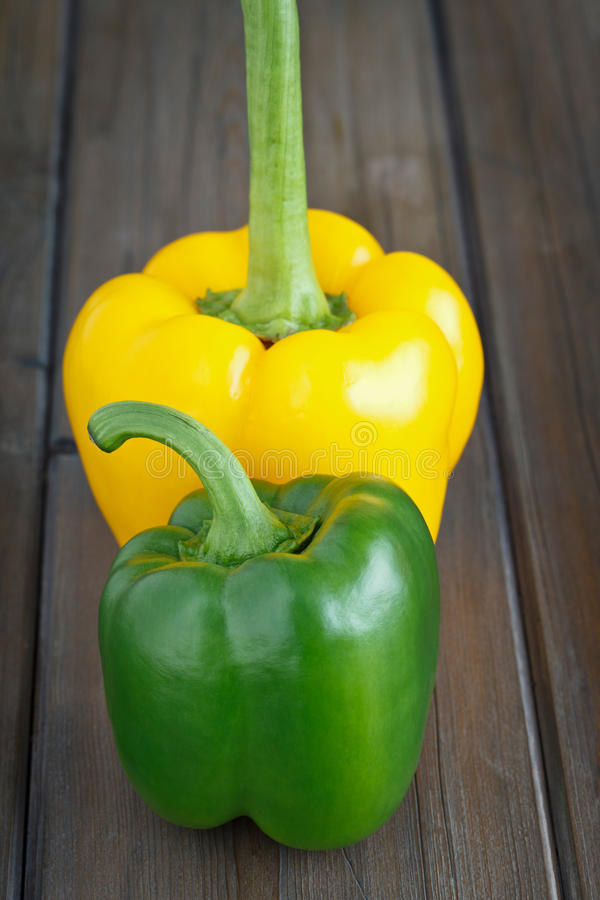 Download Green And Yellow Sweet Pepper Stock Photo - Image: 22153934