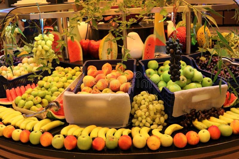 greengrocer Tienda de la fruta Fruta fresca Mercado de la fruta Colmado fotos de archivo libres de regalías