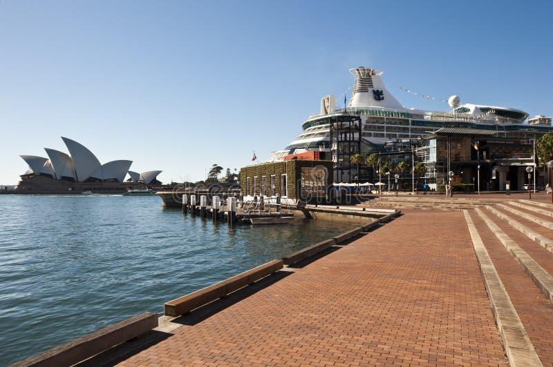 Opera house and cruise ship Sydeny stock image