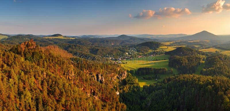 greenland solnedgång fotografering för bildbyråer