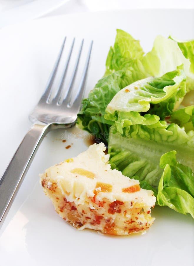 Greens van de salade en nootachtige kaas royalty-vrije stock foto