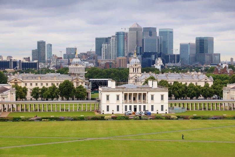 Greenwich et quai jaune canari photographie stock libre de droits