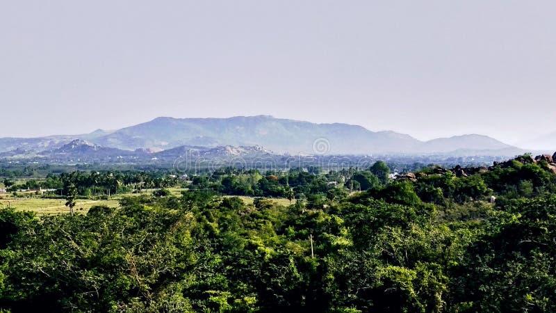 Greeny bergen bossouthindia stock foto