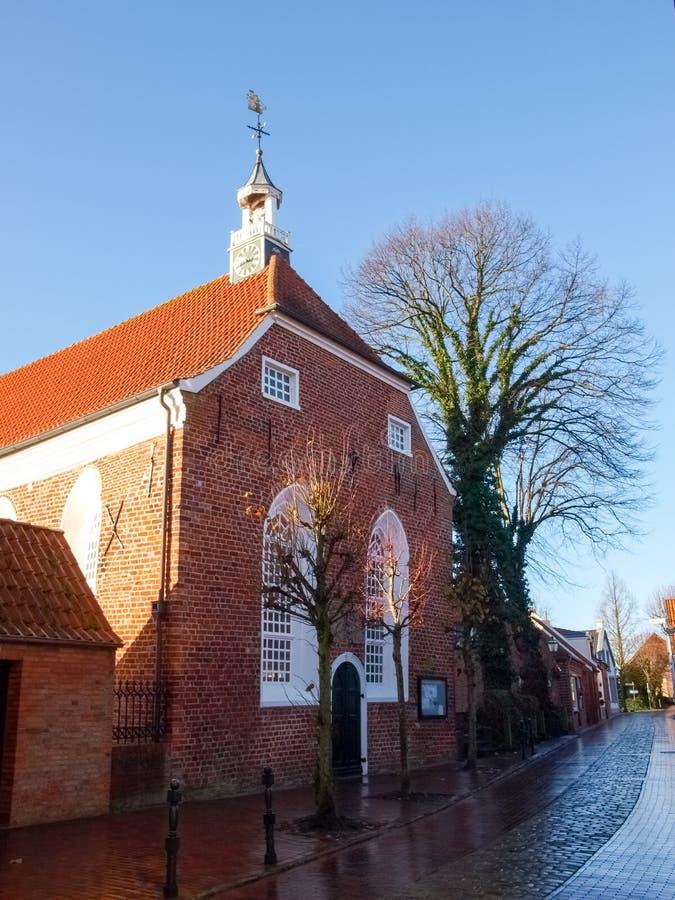 Greetsiel,村庄的典型的房子 库存图片