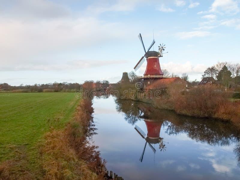 Greetsiel, traditionele Windmolen royalty-vrije stock afbeeldingen