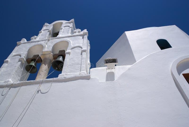Greka wyspa Donoussa Białkujący kościelny dzwonkowy wierza zdjęcie stock