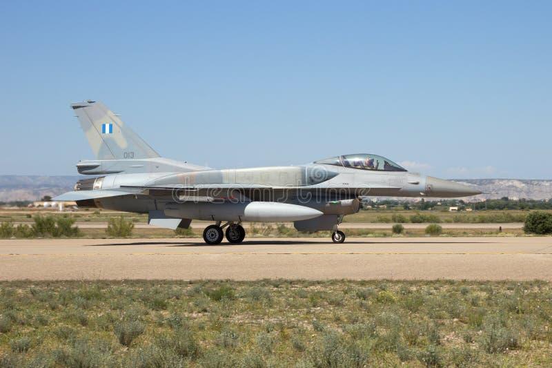 Grekisk flygvapenF-16 royaltyfri fotografi