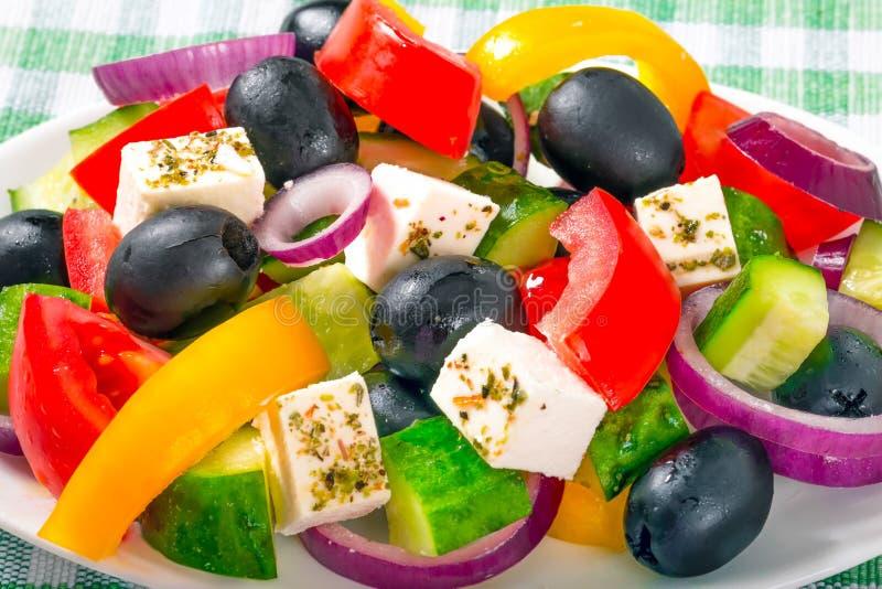 Grekisk sallad, klassiskt recept, närbild, makro royaltyfri bild