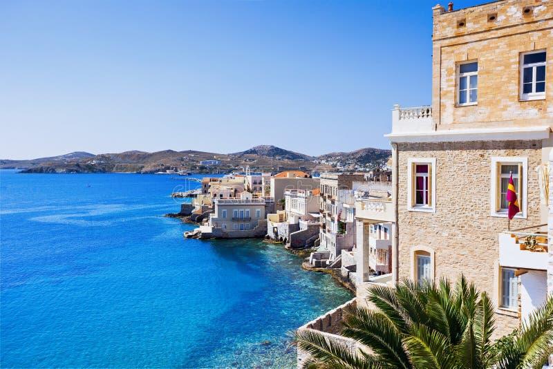 Grekisk stad Ermoupoli, Syros ö, Cyclades, Grekland royaltyfria foton