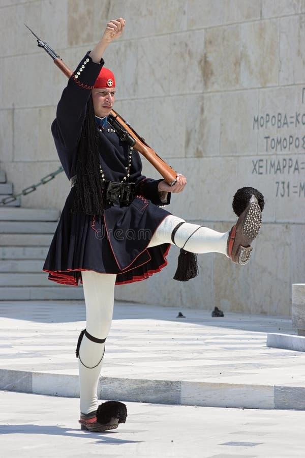 Grekisk vakt i Athens fotografering för bildbyråer