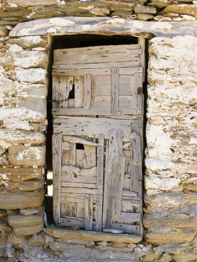 grekiskt gammalt trä för dörr arkivbilder