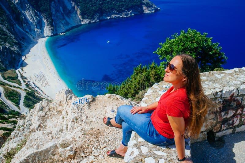 Grekland - Kefalonia - Myrtos strand från ovanför 5 royaltyfri foto
