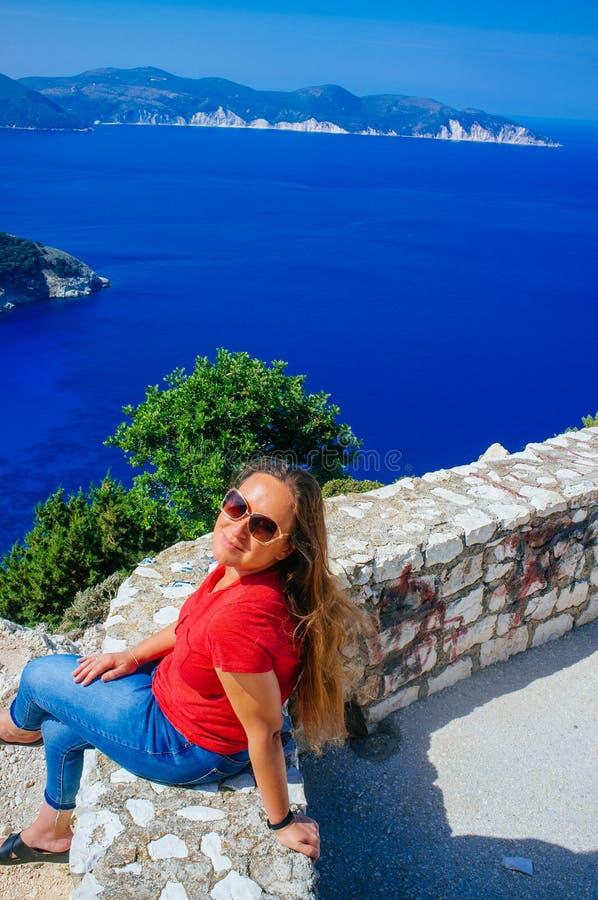 Grekland - Kefalonia - Myrtos strand från ovanför 4 royaltyfri bild