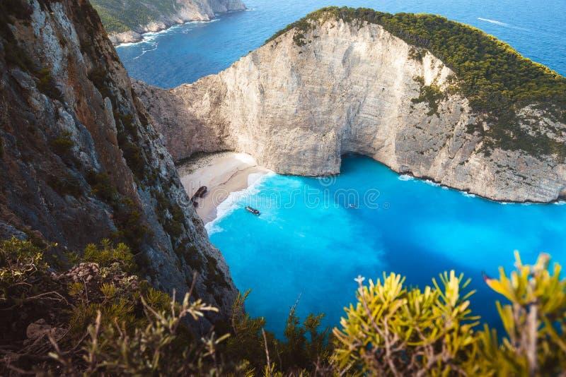 Grekland Zakynthos, mystiker strandade panagiotis freightliner i navagiostrand, i att gry lynne royaltyfri foto