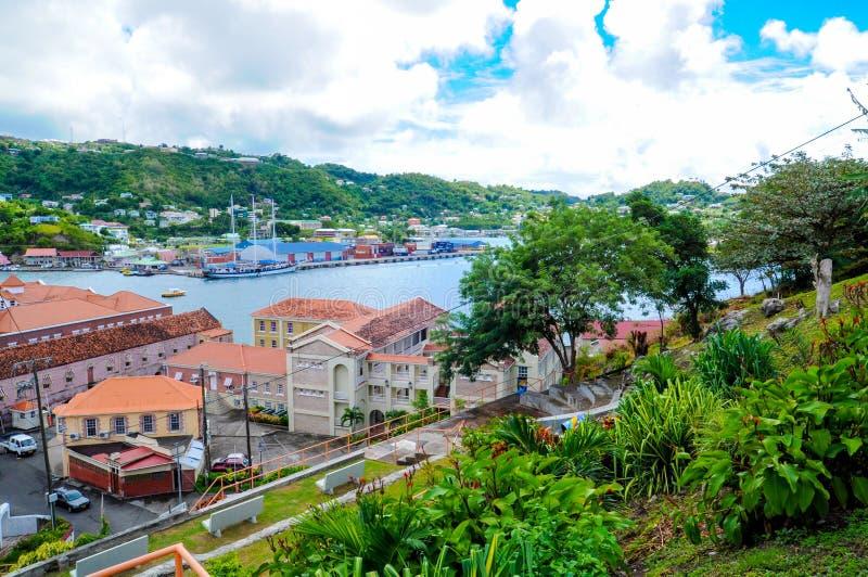 Grenada sikt - St George stad royaltyfri fotografi