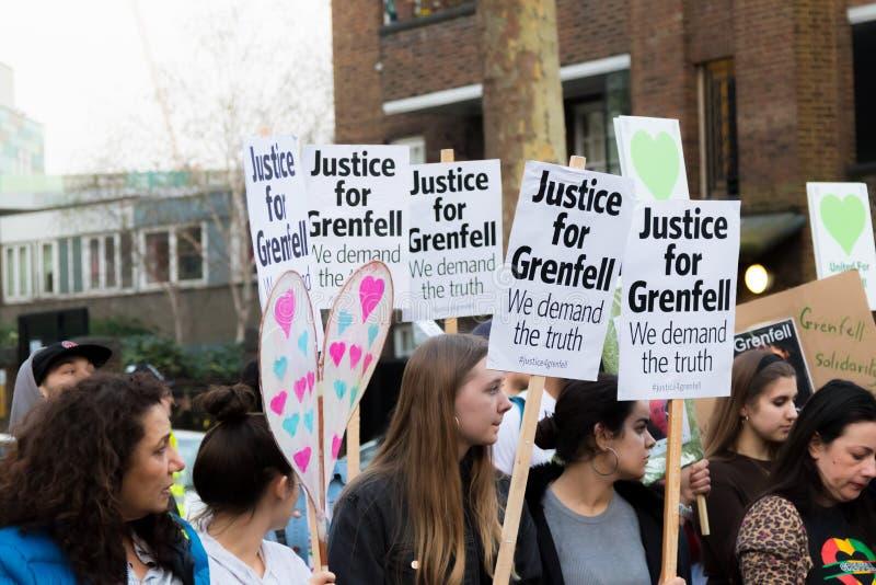 Grenfell塔的沈默3月在肯辛顿和切尔西 库存照片