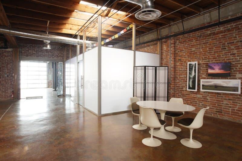 Grenier moderne de studio photos stock