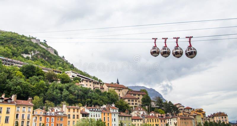 Grenoble-Bastille kabelwagenaka 'Les bulles het Engels: de bellen, verbindt het stadscentrum met Bastille, royalty-vrije stock foto