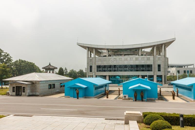 Grens tussen het Noorden en Zuid-Korea royalty-vrije stock foto
