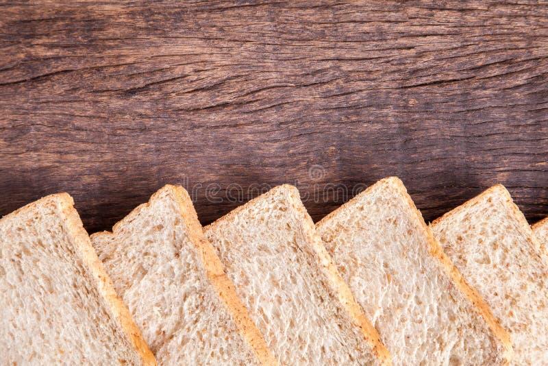 Grens van brood van de plak het gehele tarwe royalty-vrije stock foto's