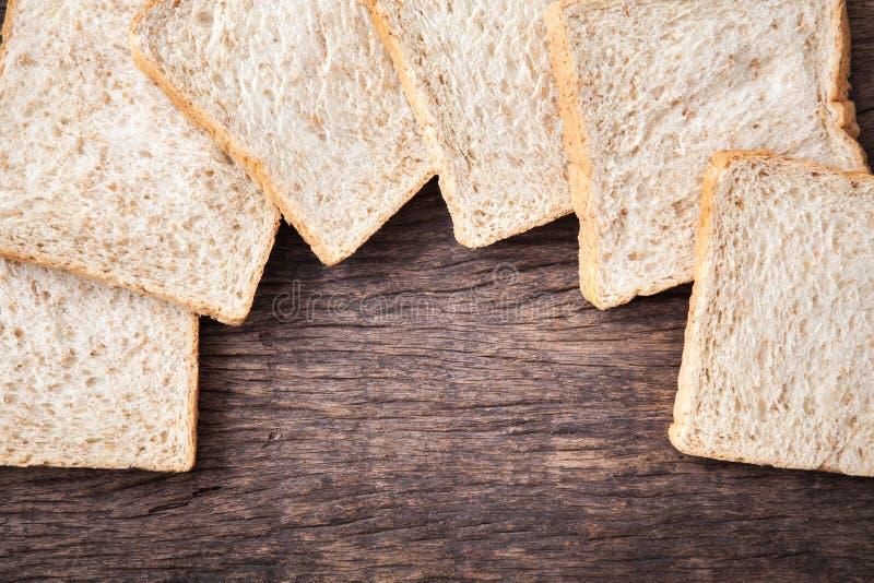 Grens van brood van de plak het gehele tarwe stock foto