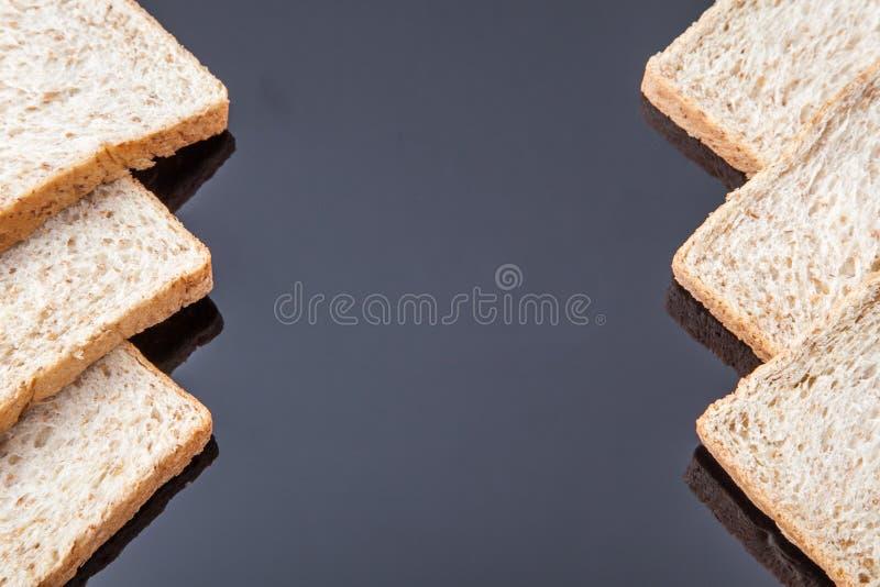 Grens van brood van de plak het gehele tarwe royalty-vrije stock afbeelding