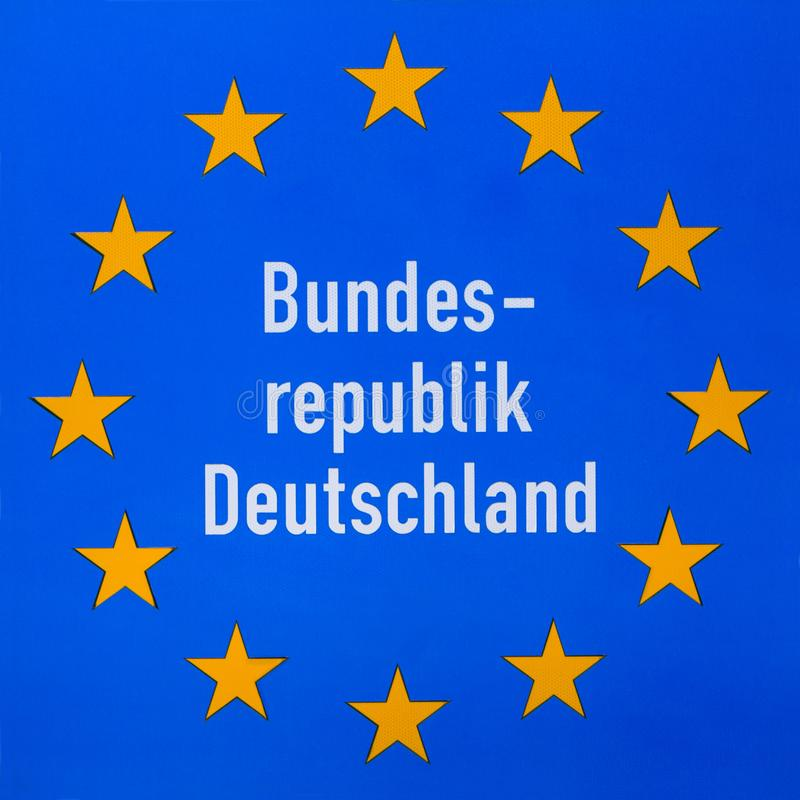 Grenzzeichen Deutschland an der Straße lizenzfreies stockbild