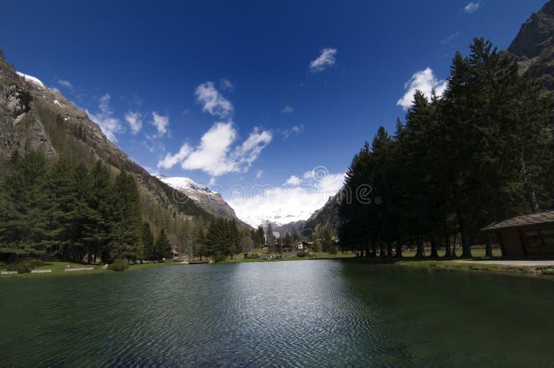 Gressoney圣徒Jean's湖 免版税库存图片