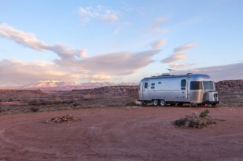 Grey And Black Recreational Vehicle On Ground Under Blue And White Sky Free Public Domain Cc0 Image