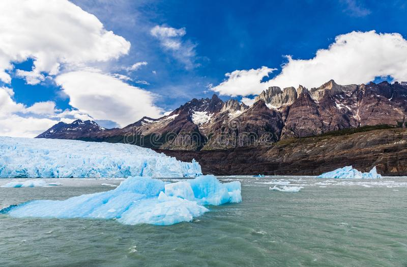 Grey Glacier em Grey Lake no campo de gelo do sul do patagonia, Torres del Paine, parque nacional, o Chile imagens de stock royalty free