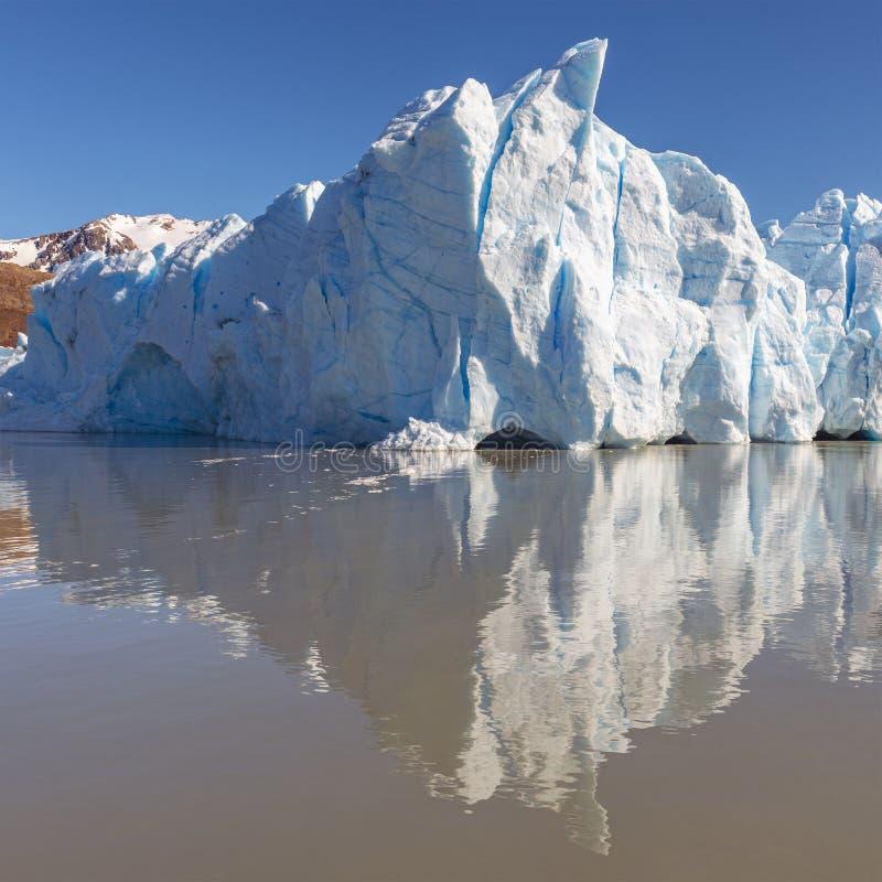 Grey Glacier Ice Peak Reflection, Patagonia, Chile lizenzfreies stockbild