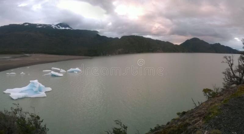 Grey Lake image stock