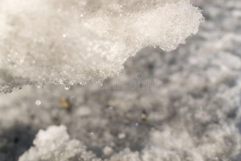 Grey Melted Snow på jordningen i tidig vår royaltyfri fotografi